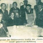 """In den Jahren 1958 und 1959 bildete sich unter Leitung von Hauptlehrer Hermann Caspers im Schützenverein eine Laienspielgruppe.  Einstudiert und aufgeführt wurden die Stücke """"Dat Swart-Bunte Farken"""" und """"Der Schelm von Möölenbrook""""."""